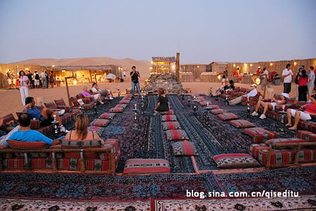 网友上传的沙漠营地