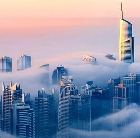 迪拜雾中风景
