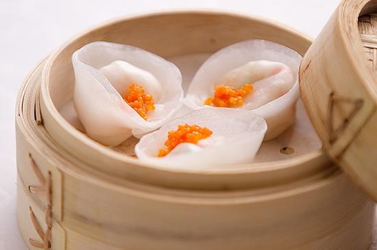 steamed shrimp dumpling with vegetables