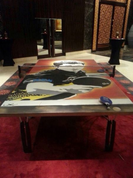 jike graffiti table