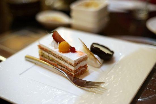 nEO_IMG_草莓蛋糕