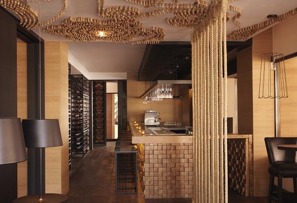 nEO_IMG_Bushman's Bar