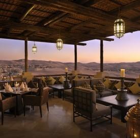 nEO_IMG_Hi_QASR_53714815_Panoramic_desert_views_from_Suhail_restaurant
