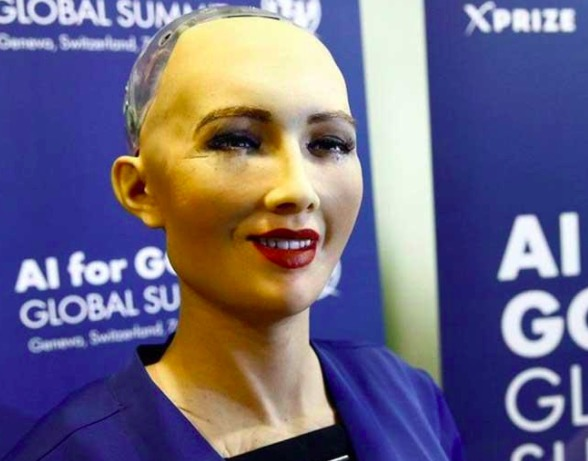 有点吓人?史上首个被授予公民身份的机器人Sophia对答如流